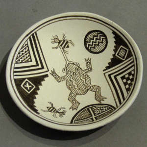 Mimbres frog design on a black and white miniature plate