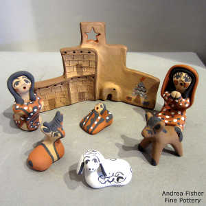 7 pieces in a nativity set