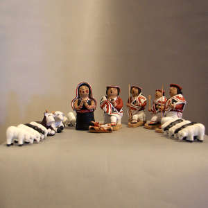 19 figures in a nativity scene