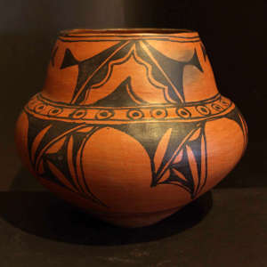 An unknown San Ildefonso potter made this jar