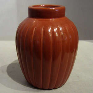 Red melon jar grooved
