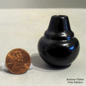Black miniature double-shouldered jar
