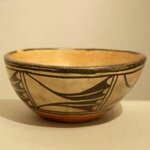 Geometric design on a polychrome chile bowl