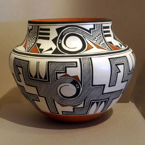 Fine line, rain, bird element and geometric designs on a polychrome olla