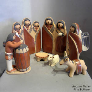 Seven pieces in a nativity set